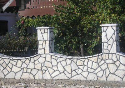 ograda od prirodnog kamena